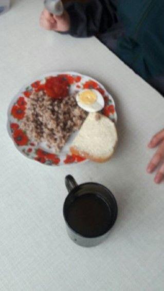 Під Тернополем в дитячому садку і школі діти місяцями не бачать м'яса: годують кашею та макаронами